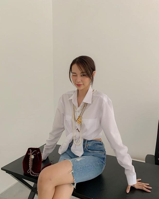 """Street style sao Việt: Ngọc Trinh vô tư diện bikini ra đường, Hương Giang """"tương"""" lại đôi giày cà kheo tai tiếng - Ảnh 10."""
