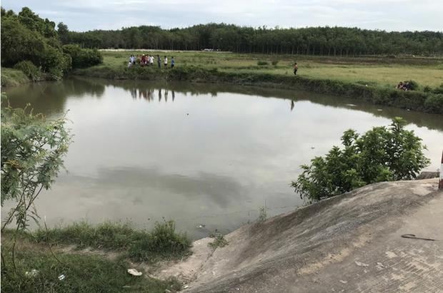 Lẻn đi tắm, 5 trẻ ở An Giang chết đuối thương tâm dưới hồ nước sau vườn - Ảnh 1.