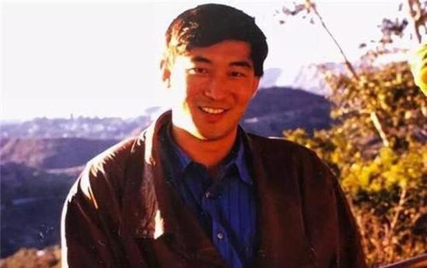 Thiên tài Vật lý 17 tuổi đã vào đại học, được nhận vào Harvard, làm giáo sư khi mới ngoài 30 đột ngột tự tử khiến mọi người tranh cãi tìm ra nguyên nhân - Ảnh 5.