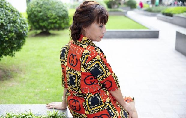 Cô dâu 62 tuổi ở Cao Bằng lần đầu công khai khuôn mặt bị chê méo thậm tệ sau thẩm mỹ, tiết lộ những tổn thương phía sau hàng trăm lời đồn suốt 2 năm bất ngờ nổi tiếng - Ảnh 8.
