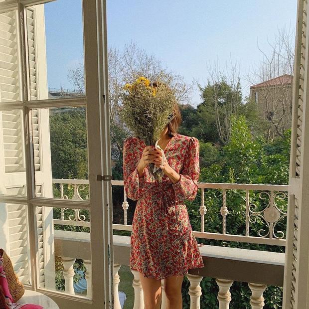 Cứ Thu đến các cô gái Pháp lại diện váy hoa, mặc vừa xinh lại còn siêu thanh lịch - Ảnh 3.