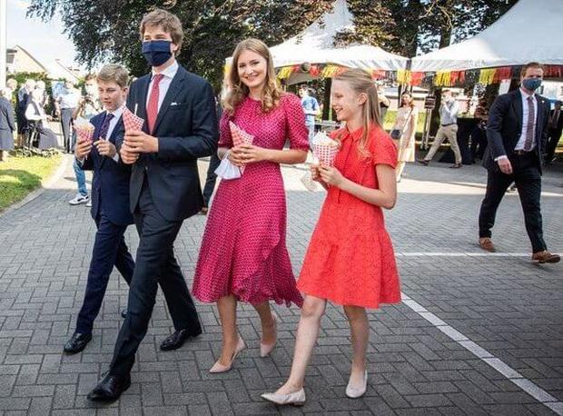 Nàng công chúa gánh trên vai vận mệnh của hoàng gia Bỉ gây sốt với vẻ ngoài xinh đẹp cùng khí chất của bậc nữ vương tương lai - Ảnh 8.