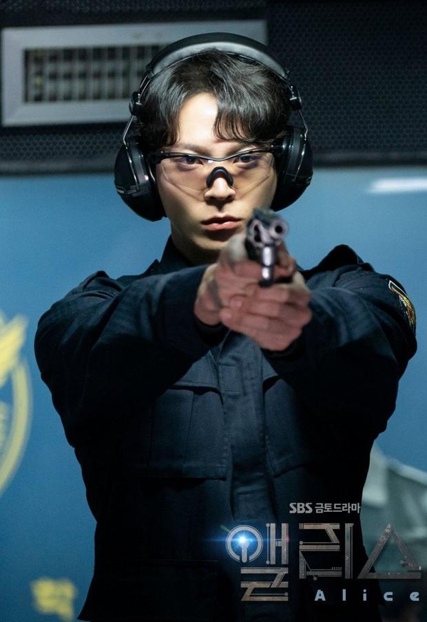 Phận nam - nữ chính nhưng Joo Won và Kim Hee Sun lại bị khán giả cấm đến với nhau ở Alice - Ảnh 9.