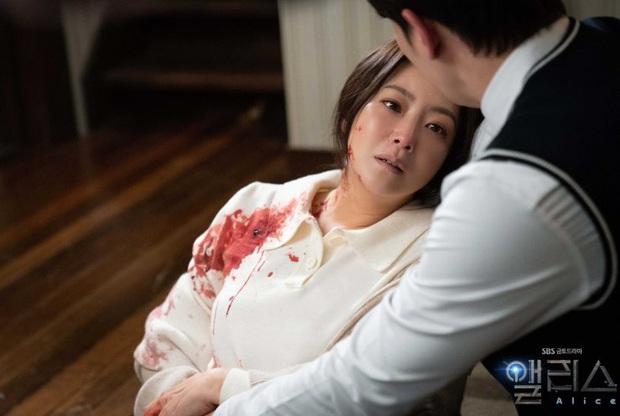 Phận nam - nữ chính nhưng Joo Won và Kim Hee Sun lại bị khán giả cấm đến với nhau ở Alice - Ảnh 2.