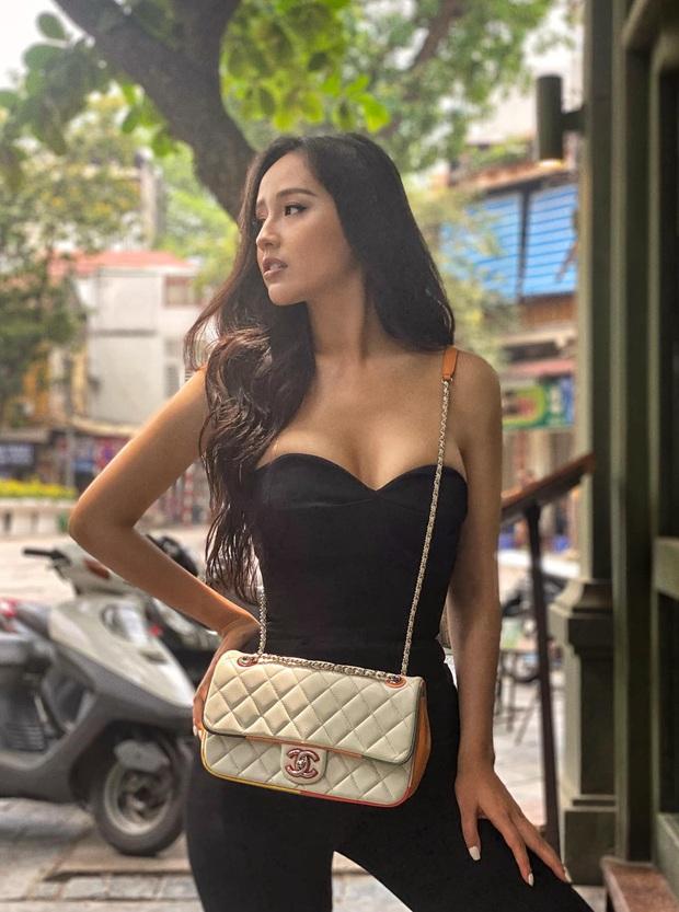 Hoa hậu mặc bốc nhất hẳn là Mai Phương Thúy: Chuyên diện váy áo trễ nải, nhiều phen vòng 1 như trào ra ngoài - Ảnh 4.