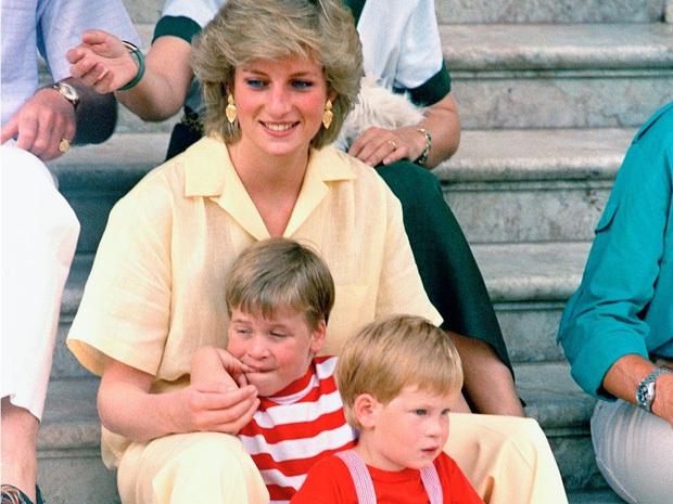 """Lộ tin bóng dáng """"kẻ thứ 3"""" vẫn hiện diện ngay cả khi Công nương Diana đang đi nghỉ tuần trăng mật cùng chồng khiến cặp đôi xảy ra cãi vã - Ảnh 4."""