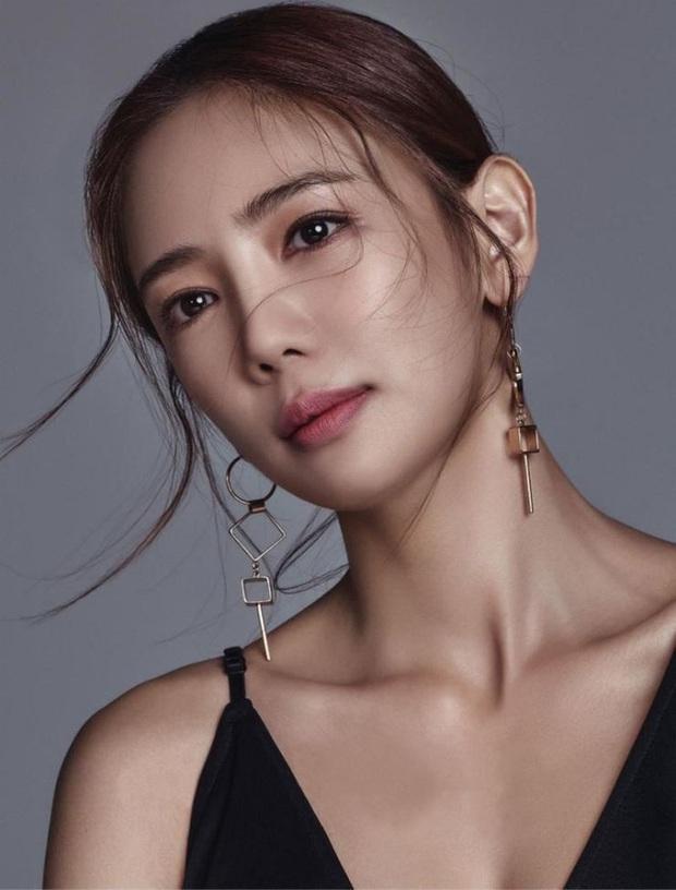 Đời bi kịch loạt nữ hoàng hở bạo Hàn Quốc: 2 vụ tự tử chấn động, minh tinh Lee Tae Im phải giải nghệ vì chồng đại gia vào tù - Ảnh 12.