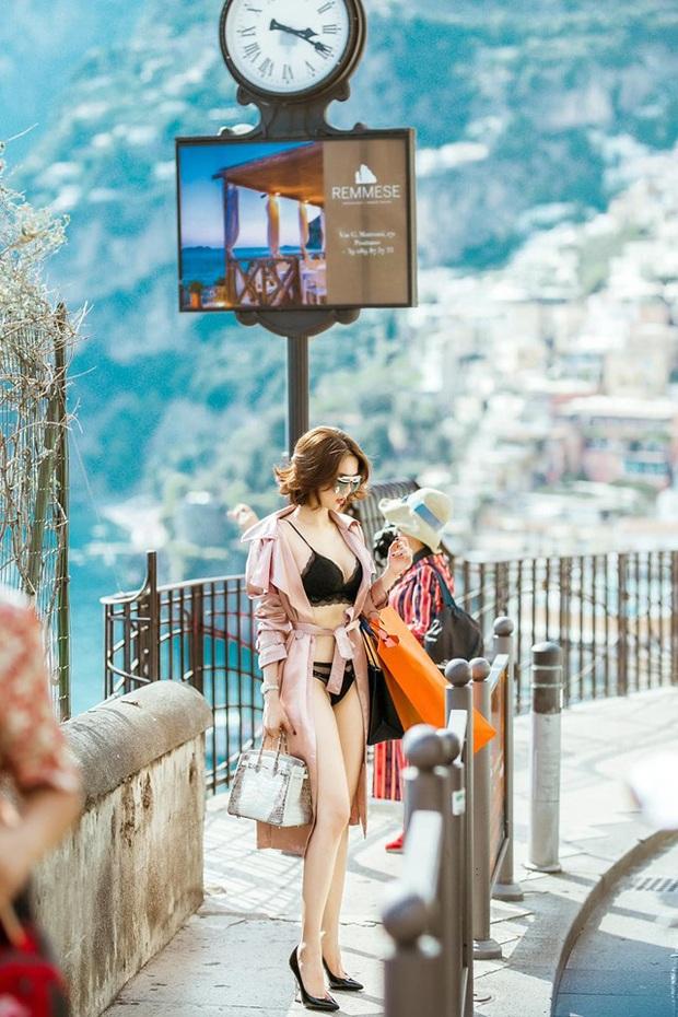 Chưa hết nổi loạn, Ngọc Trinh diện bikini giữa sân bay: Khoe vòng 1 nóng hừng hực, team qua đường cũng phải dán mắt - Ảnh 15.