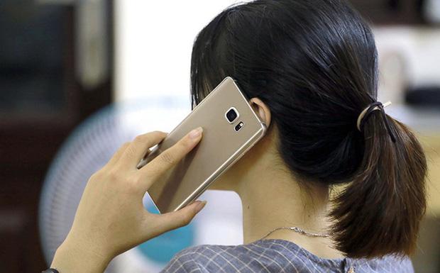 Hà Nội: Sau cuộc điện thoại, người phụ nữ ở Hoàn Kiếm báo công an mất 13 tỷ đồng - Ảnh 1.