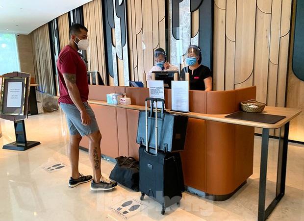 Khách sạn tại Hà Nội chuẩn bị ra sao khi được chọn làm nơi cách ly có thu phí? - Ảnh 3.