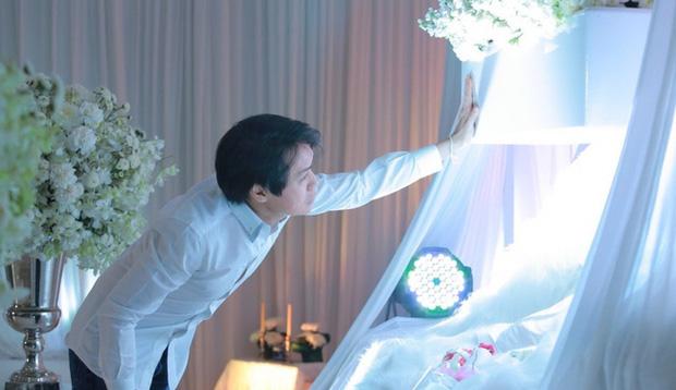 Nuôi hy vọng đoàn tụ với con gái 3 tuổi đã qua đời, cặp vợ chồng Thái Lan quyết định đông lạnh thi thể con để chờ ngày đứa trẻ hồi sinh - Ảnh 3.