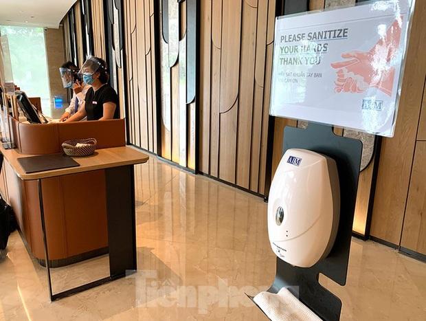 Khách sạn tại Hà Nội chuẩn bị ra sao khi được chọn làm nơi cách ly có thu phí? - Ảnh 4.