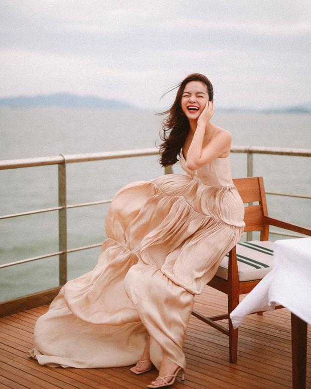 Nhóm H.A.T ngày ấy bây giờ: Phạm Quỳnh Anh ngày càng gợi cảm, nhưng gây choáng nhất là nhan sắc tuổi U40 của cô bạn cùng tên - Ảnh 5.
