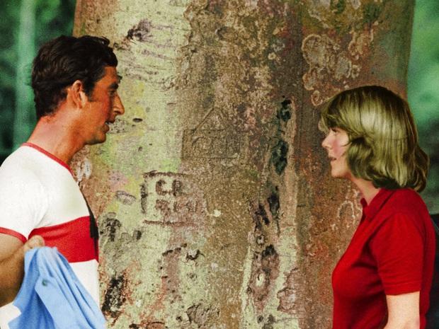 """Lộ tin bóng dáng """"kẻ thứ 3"""" vẫn hiện diện ngay cả khi Công nương Diana đang đi nghỉ tuần trăng mật cùng chồng khiến cặp đôi xảy ra cãi vã - Ảnh 2."""