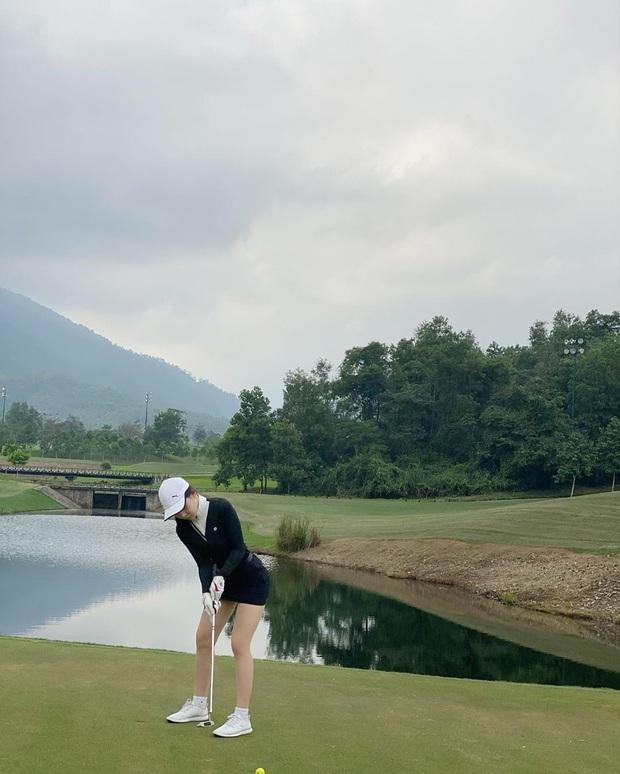 Danh hiệu hot nhất sân golf đang thuộc về gái đẹp RMIT: Xem ảnh nào là muốn đổ rạp ảnh đấy! - Ảnh 8.