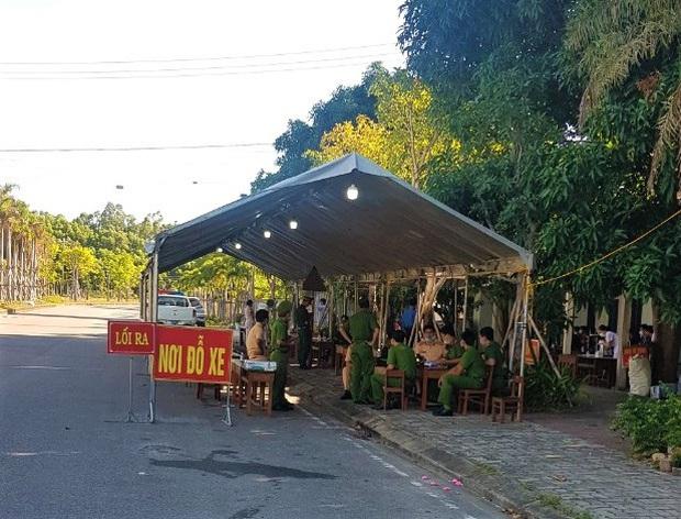 Từ 0h ngày 16/9, người dân từ Đà Nẵng đến Huế không bị cách ly bắt buộc - Ảnh 1.