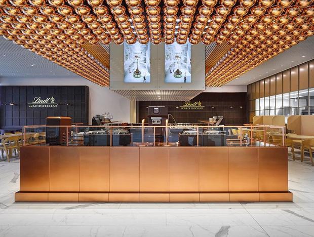 Choáng ngợp trước bảo tàng chocolate lớn nhất thế giới, nơi có đài phun chocolate siêu to khổng lồ khiến hội hảo ngọt thích mê - Ảnh 7.
