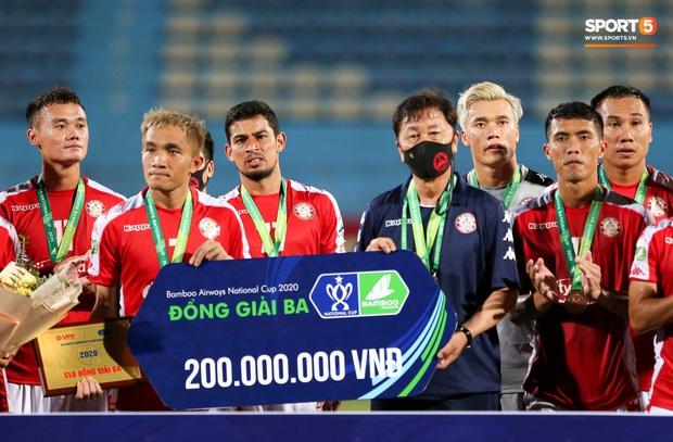 Bùi Tiến Dũng xử lý khiến cầu thủ Hà Nội FC tẽn tò nhưng không che lấp nổi ngày thảm hoạ - Ảnh 9.