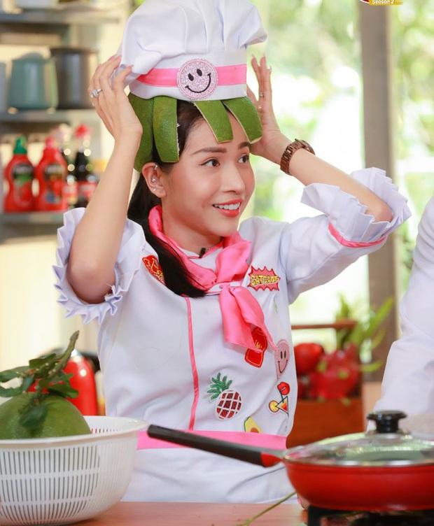 Miu Lê, HHen Niê, Khả Như thi nhau đội vỏ bưởi - trò chơi với quả bưởi mà đứa trẻ nào cũng từng mê - Ảnh 4.