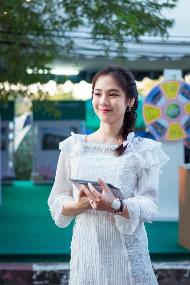 Dân mạng Trung Quốc phát sốt vì hot girl trà sữa Thái Lan, không giấu giếm mình là người chuyển giới - Ảnh 12.