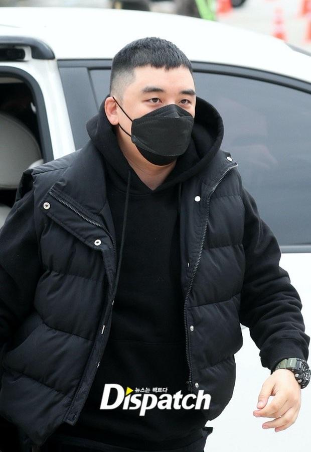 Seungri (BIGBANG) cuối cùng đã lộ diện tại phiên tòa đầu tiên ở Tòa án Quân sự, gây xôn xao khi bác bỏ 7/8 cáo buộc - Ảnh 2.