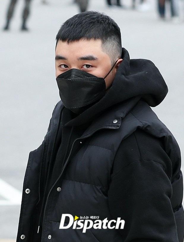 Seungri (BIGBANG) cuối cùng đã lộ diện tại phiên tòa đầu tiên ở Tòa án Quân sự, gây xôn xao khi bác bỏ 7/8 cáo buộc - Ảnh 3.