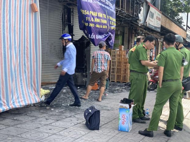 Lời khai gây sốc của kẻ gây cháy chi nhánh ngân hàng Eximbank cùng nhà dân: Đốt dây dẫn điện để... quan sát đám cháy cho vui - Ảnh 2.