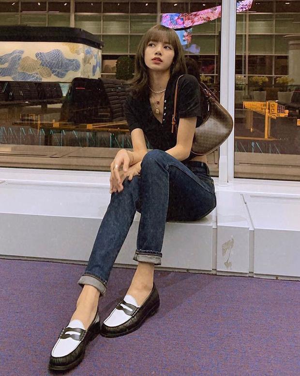 Lisa được đeo túi mới của Celine trước cả thế giới tận 9 tháng, đến Vogue Anh cũng phải chú ý - Ảnh 5.