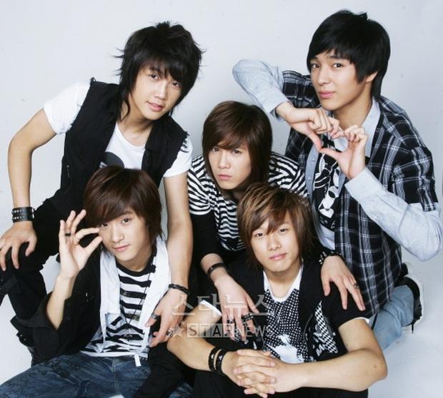 Đội hình lâu năm nhất của 9 nhóm nhạc Kpop: DBSK mất thành viên nhưng vẫn chạy tốt cả thập kỉ, có nhóm 22 năm chưa từng đổi người - Ảnh 7.