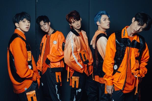 Hát EDM giữa làn sóng ballad, đầu tư MV khủng lên đến 2 tỉ đồng - Uni5 có ngay vị trí #1 realtime HOT14 đầu tiên sau vài giờ phát hành! - Ảnh 6.