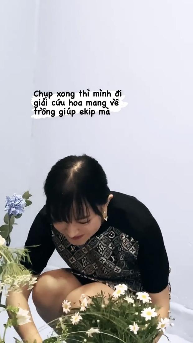 Nhìn tóc như sắp hói của Châu Bùi, Lisa, Yoona, bạn sẽ thấy serum kích thích mọc tóc đáng mua nhường nào - Ảnh 2.