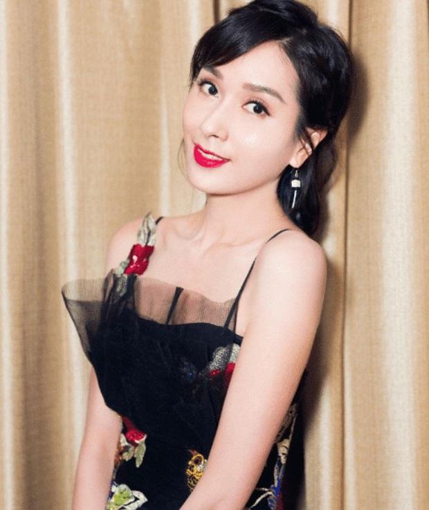 Vụ đánh ghen huyền thoại Cbiz: Hoa hậu châu Á đẹp nhất lịch sử bị chính thất tát tới tấp, thân bại danh liệt và sự thật sáng tỏ sau 5 năm - Ảnh 8.