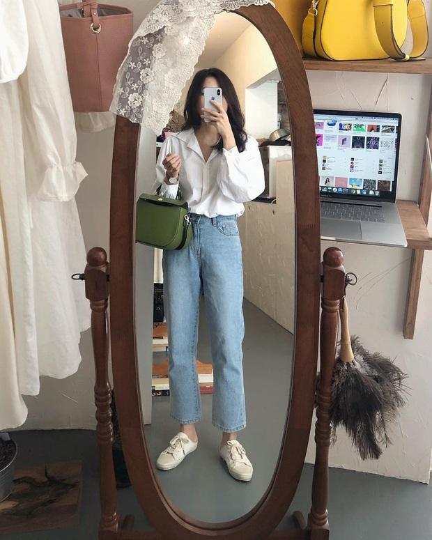 4 món đồ jeans bạn nên tậu gấp để bước vào mùa Thu với style trẻ xinh hết nấc - Ảnh 2.