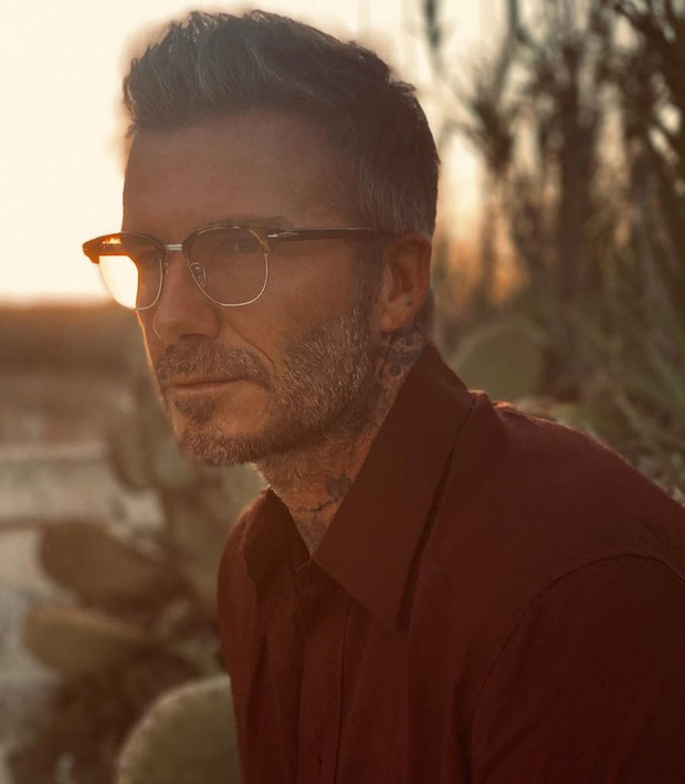 Đăng ảnh ở tuổi 45 do chính cậu cả Brooklyn chụp, David Beckham khiến các fan điên đảo vì vẻ nam tính khó cưỡng - Ảnh 1.