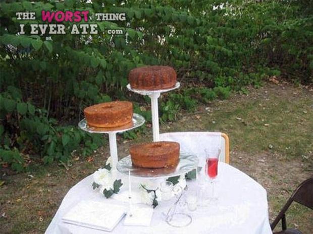 Những chiếc bánh cưới hắc ám khiến cô dâu, chú rể chán không buồn về chung một nhà nữa - Ảnh 2.