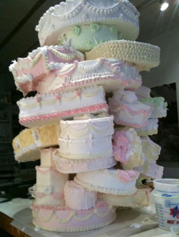 Những chiếc bánh cưới hắc ám khiến cô dâu, chú rể chán không buồn về chung một nhà nữa - Ảnh 12.