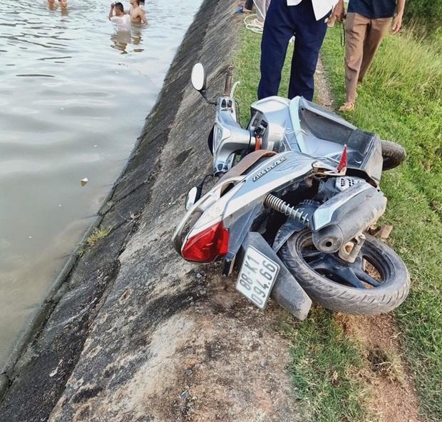 Xác định nguyên nhân ban đầu vụ 3 ông cháu rơi xuống sông tử vong thương tâm - Ảnh 1.