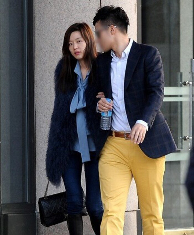 Mợ chảnh Jeon Ji Hyun đã hết... chảnh chỉ vì tóc mái, hội ngộ thái tử gia tộc Samsung một thời tại sự kiện - Ảnh 6.