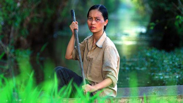 3 màn đánh ghen kinh hoàng ở phim Việt: Hết tạt axit lên mặt lại đổ keo vào vùng kín, xem mà hãi hùng! - Ảnh 1.