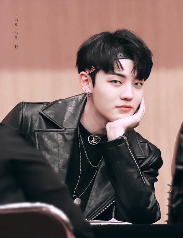 Hội em út kiêm main vocal của Kpop: Jungkook cân team từ năm 16 tuổi, Seung Yoon (WINNER) gây choáng vì đã hát chính còn làm thủ lĩnh - Ảnh 13.