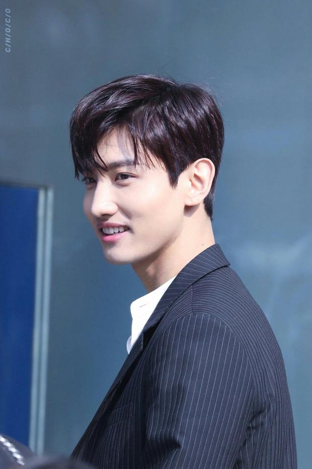 Hội em út kiêm main vocal của Kpop: Jungkook cân team từ năm 16 tuổi, Seung Yoon (WINNER) gây choáng vì đã hát chính còn làm thủ lĩnh - Ảnh 16.