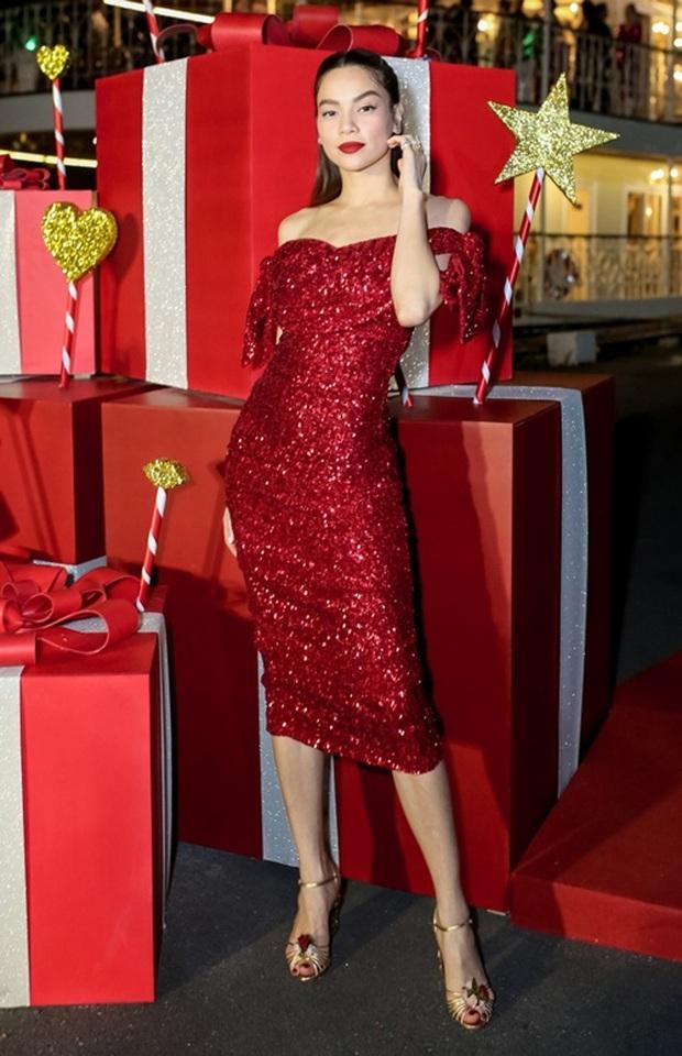 Sao Việt mở tiệc sinh nhật xa hoa nhất Vbiz: Hà Hồ - Lý Nhã Kỳ như tổ chức lễ trao giải, Ngọc Trinh khiến dân tình xịt máu mũi - Ảnh 16.