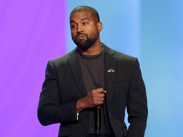 Đi tiểu lên cúp Grammy, ăn vạ các nghệ sĩ khác và khủng bố Twitter: Kanye West đang tự giết chết sự nghiệp âm nhạc của mình? - Ảnh 4.