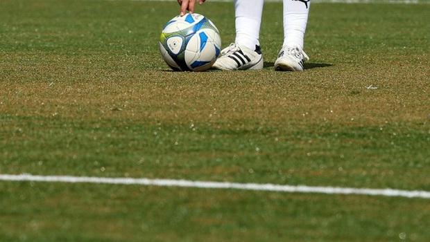 Nghe tin đối thủ có tiếp xúc với người nhiễm Covid-19, đội bóng vừa đá vừa sợ, để thua với tỷ số khó tin 0-37 - Ảnh 1.