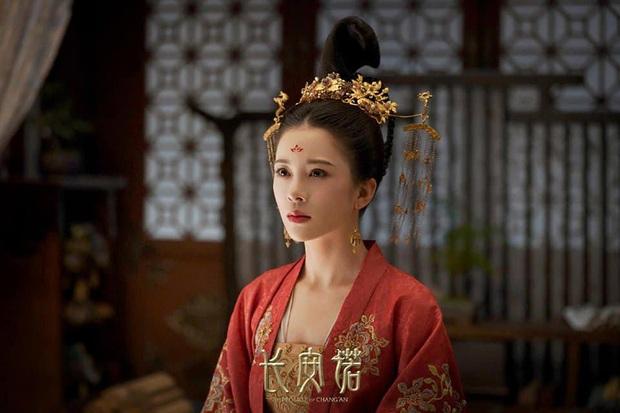 Bị fan đôi trẻ Lưu Ly Mỹ Nhân Sát ném đá tận nhà, tình mới của Thành Nghị đáp trả khiến dân tình tranh cãi gay gắt - Ảnh 2.