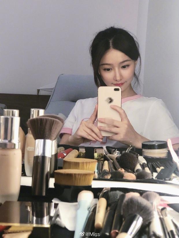 Ngắm nhan sắc Nữ hoàng eSports Trung Quốc, 31 tuổi vẫn xinh đẹp trẻ trung, chơi game sương sương mỗi năm kiếm vài chục tỷ - Ảnh 11.