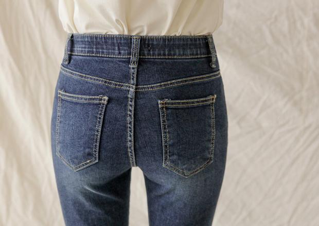 Chi tiết túi sau của quần jeans lại quyết định độ cong của vòng 3: Chiêu cơi nới dành cho nàng mông lép - Ảnh 3.