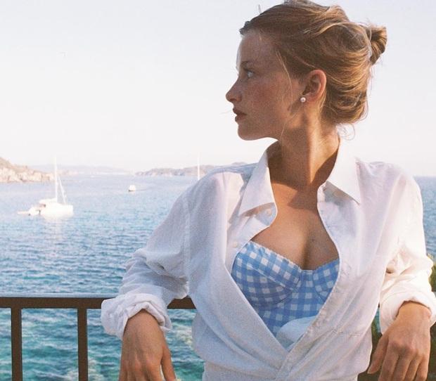 Chưa vội sắm đồ Thu, gái Pháp có cả loạt cách tận dụng váy 2 dây mùa Hè cực thông minh - Ảnh 5.
