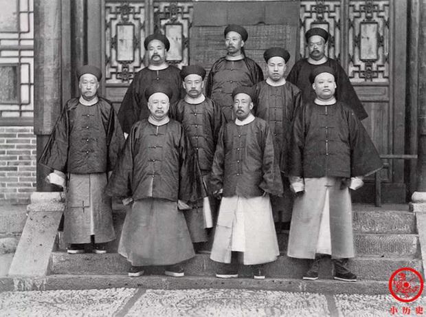 Loạt ảnh khắc họa tướng mạo thật của các vị quan văn võ cuối triều nhà Thanh, khác hẳn với những gì mọi người nhìn thấy trên phim ảnh - Ảnh 9.