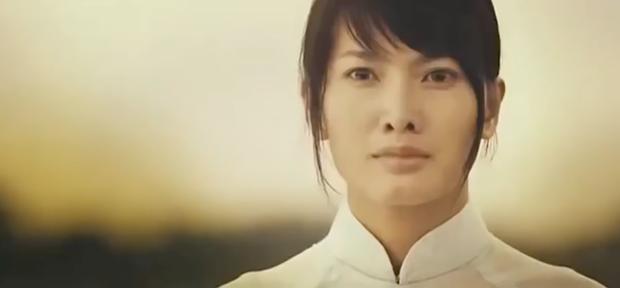 3 màn đánh ghen kinh hoàng ở phim Việt: Hết tạt axit lên mặt lại đổ keo vào vùng kín, xem mà hãi hùng! - Ảnh 2.